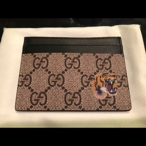 d1603bec5647 Gucci Accessories | Nwt Gg Supreme Tiger Card Holder Wallet | Poshmark